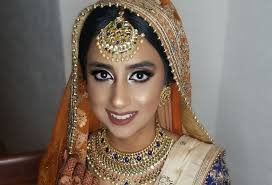 The tweet included a photo of singh, 39, and kaur, 27, sitting together on the floor of what appears to be a sikh temple, with many others sitting around them. Who Is Gurkiran Kaur Sidhu Jagmeet Singh Wife Bio Wiki Age Wedding Net Worth Instagram Glob Intel Celebrity News Sports Tech