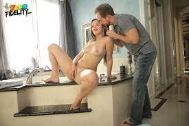 Teen Fidelity Jillian Brookes Kelly Cash 88Gals Naked.