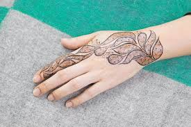 how to remove henna from hands and hair