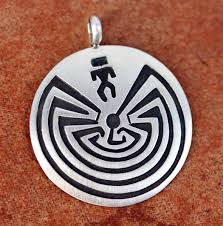 the maze pendant by stanley gene