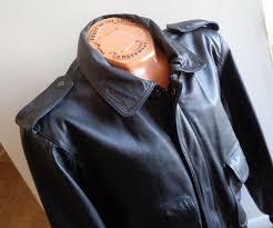 vtg bermans black leather flight jacket
