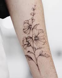 татуировка цветы татуировка мальва тату для девушки Tattoo