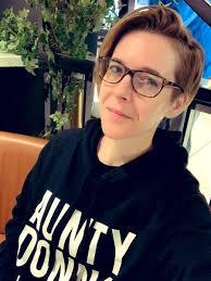 """DeAnne! Smith! on Twitter: """"wearing my boyfriend*'s sweatshirt for the 14  hour flight to LA *my boyfriend is @AuntyDonnaBoys ❤️… """""""