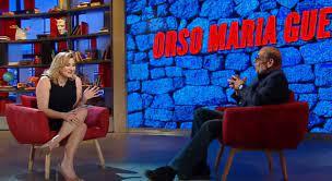 """Orso Maria Guerrini a """"Oggi è un altro giorno"""": «Liza Minnelli una  ragazzaccia, il bacio a Liz Taylor e la birra che toglie lavoro»"""
