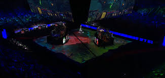 the ti5 stage is the dota map and even shows special effects when
