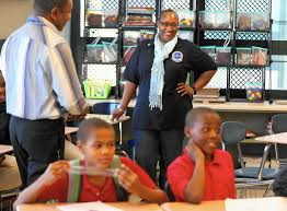 black chicago police officers work in schools to defuse distrust black chicago police officers work in schools to defuse distrust chicago tribune