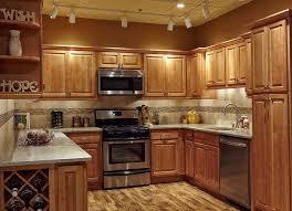tile backsplash ideas for oak cabinets