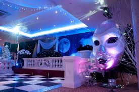 Masquerade Ball Decorations Ideas black white masquerade ball ideas The Most Eccentric Masquerade 23