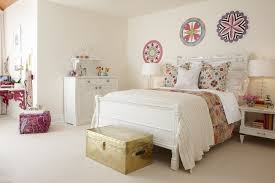 bedroom decorating ideas for young adults. Fine Interior Design Of Vintage Room Ideas With White Wall Paint Color Also Modern Furniture Large Bed Again Drum Shade Table Lamps Bedroom Decorating For Young Adults I