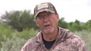 Wade Middleton Uses Hog Hunting as Summer Prep for Deer Season - YouTube