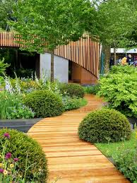 simple and affordable wooden garden path ideas 30