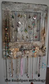 the audzipan anthology: Reclaimed Barnwood Jewelry Holder