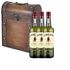 3 x jameson irish whiskey 70cl bottles in antique style gift box with hand crafted gifts2drink