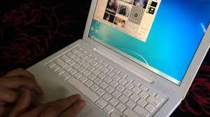 Bán Macbook A1181 giá 4,5 triệu giật mình luôn - YouTube