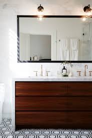 White Bathroom Cupboard 1000 Ideas About Wooden Bathroom Cabinets On Pinterest Neutral
