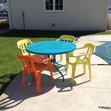 painting patio furnitureMontys Average Life Painting plastic and glass patio furniture