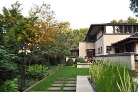 Frank Lloyd Wright Designed House craftsman-landscape