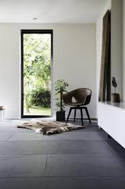 Kamerontwerp Binnenkijken Natuursteen Vloer In Modern Interieur