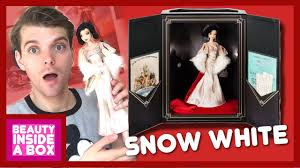 Snow White Disney Designer Collection Premiere Series Doll Review