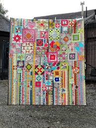Lily's Quilts: The Gypsy Wife BOM & ... horizontal lines and bound with a black blender. And even on a dark  rainy day in the UK, it's pretty bright. Which is how I like my quilts  these days. Adamdwight.com