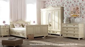 Landhausschrank In Antik Weiß Schlafzimmer Von Massiv Aus Holz Homify