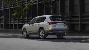 Lexus LX 600 (2022) - Toyota Land Cruiser in formal attire - Byri