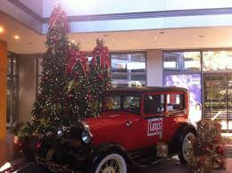 holiday in the lobby of our f pepsico office photo glassdoor