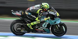 Aug 05, 2021 · valentino rossi has announced he will retire from motogp at the end of the season. Valentino Rossi Haben Die Winglets Den Motogp Fahrstil Verandert