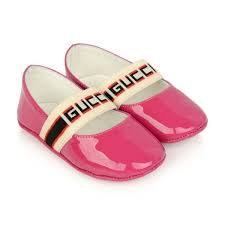 gucci baby girls pink patent leather shoes