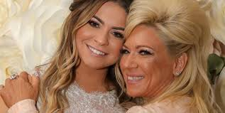 Victoria caputo is an american television star who has grown in front of the cameras all her life. Inside Long Island Medium Theresa Caputo S Relationship With Her Daughter Victoria