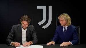 Juventus are an italian football club who feature in the italian serie a. Official Locatelli Joins Juventus Juventus
