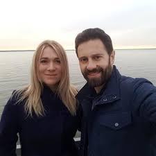 Виктория Макарская показала забавные снимки мужа с его мамой - Летидор
