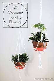 DIY Macram Hanging Planters | www.classyclutter.net