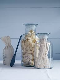 Ways to use and fill decorative glass jars in your home ...