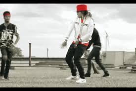 dabb dance gif. \u201ctrap dab\u201d) and then really popularized by the video \u201cwhere ya at,\u201d featuring producer metro boomin, dj esco, rapper future doing groundbreaking dab dabb dance gif