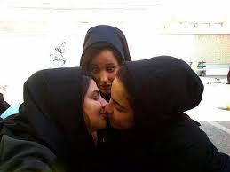 نتیجه تصویری برای لب دادن ایرانی