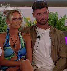 LOVE ISLAND 2021 – Millie saves Liam ...