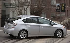 2010 Toyota Prius | Second Drive | Reviews | Car and Driver
