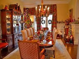 Christmas Dining Room Table Decorations With Warm