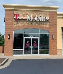 Tmobile Lees Summit Mo Cell Phones Plans And Accessories At T Mobile 11825 East