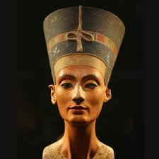 how old was queen nefertiti when she died