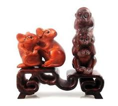 Netsuke Display Stand Mahogany Hard Wood Crafted 100Tiers Display Stand Easel For Netsuke 61