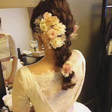 カラードレスに合う髪型を提案美しい花嫁姿で特別な思い出を