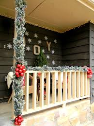 Front Porch Christmas Decorating Ideas: A Country Christmas by Lakeitha  Duncan