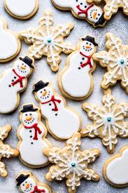 round christmas sugar cookies.  Cookies Create Beautiful Decorated Christmas Sugar Cookies With This Awesome  Cookie And Royal Icing Recipe Throughout Round Sugar Cookies E