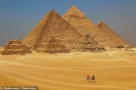 Having Pyramid Top Sex On Photo Of Egypt Faked Couple Great 's Was qnUF1vwtx