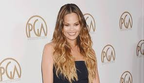 We reckon that chrissy's stylish new 'do was a spur of the moment decision, because in a snapchat video posted by jen, she said: Chrissy Teigen S Hair Evolution See The Pics Purewow