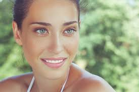 are there any specific s brands that you remend to people who are looking for a natural make up look