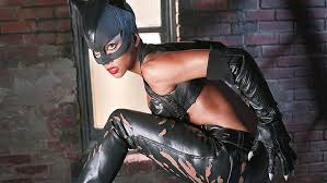 Catwoman (2004)after michelle pfeiffer owned this character in batman returns, warner brothers looked to capitalize on a solo catwoman project years later. Halle Berry Hd Wallpapers Free Download Wallpaperbetter