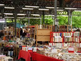 Il paradiso dei libri usati al mercato di parigi